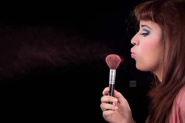 Manje je više - pravilo koje važi i kad je šminka u pitanju. (Foto: Alejandro Martinez/Flickr)