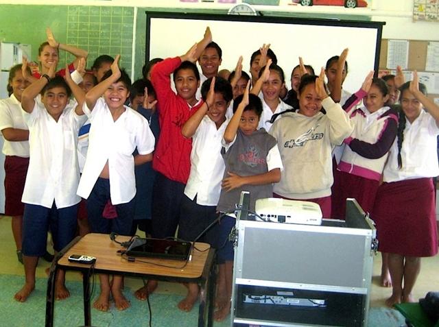 Dečake iskusne žene uče veštinama seksa (Foto: Wittyfeed.com)