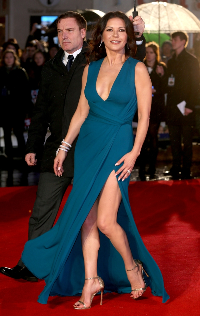 I u 46. godini Catherine Zeta-Jones izgleda avršeno zahvaljujući prirodnom preparatu dostupnom svima (foto: Wenn)