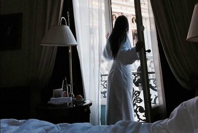 jutro-prozor-devojka